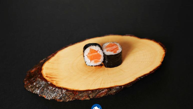 101.Sake maki (8u)