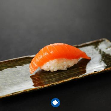 143.Nigiri sake (4u)