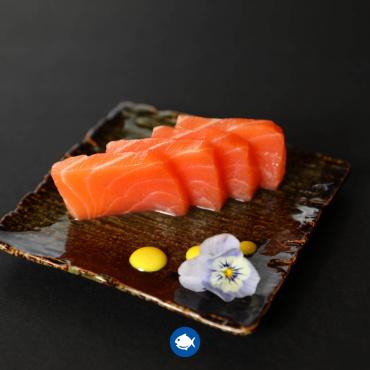 158.Sashimi salmon (4u)